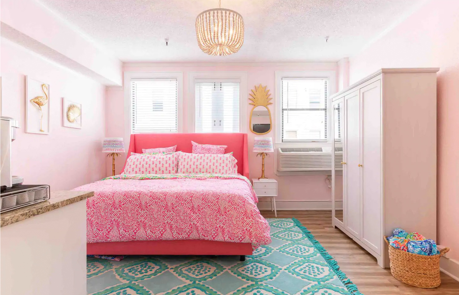 Top Pink Airbnb Places To Stay In The Usa Reesa Rei